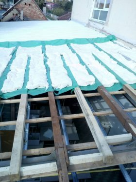 Roofing isolation